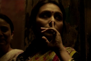 The only scene in the film where Shivani wears a saree, only because she is in disguise.