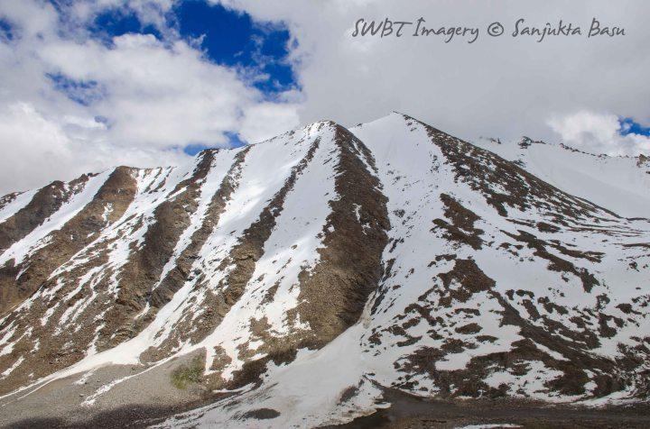 Khardungla pass word's highest road
